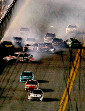 3-Time Champion Tony Stewart Wins Daytona's Summer Race in 07/2012 With A Last Lap Crash Happening Behind His Lead