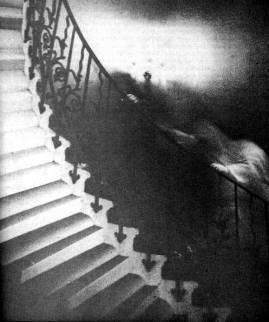 GhostPics8-Tulip-Staircase-Ghost
